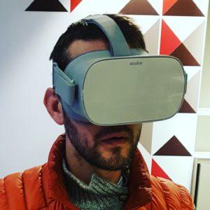 stand casque de réalité virtuelle